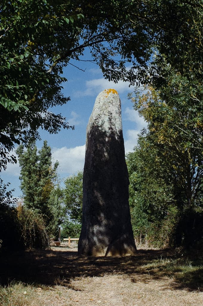 einzigartig: Le Menhir du Plessis