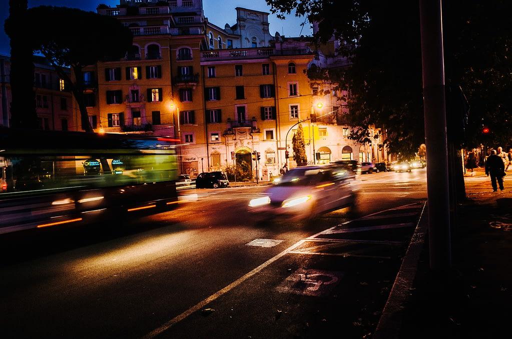 Strassenverkehr in Rom