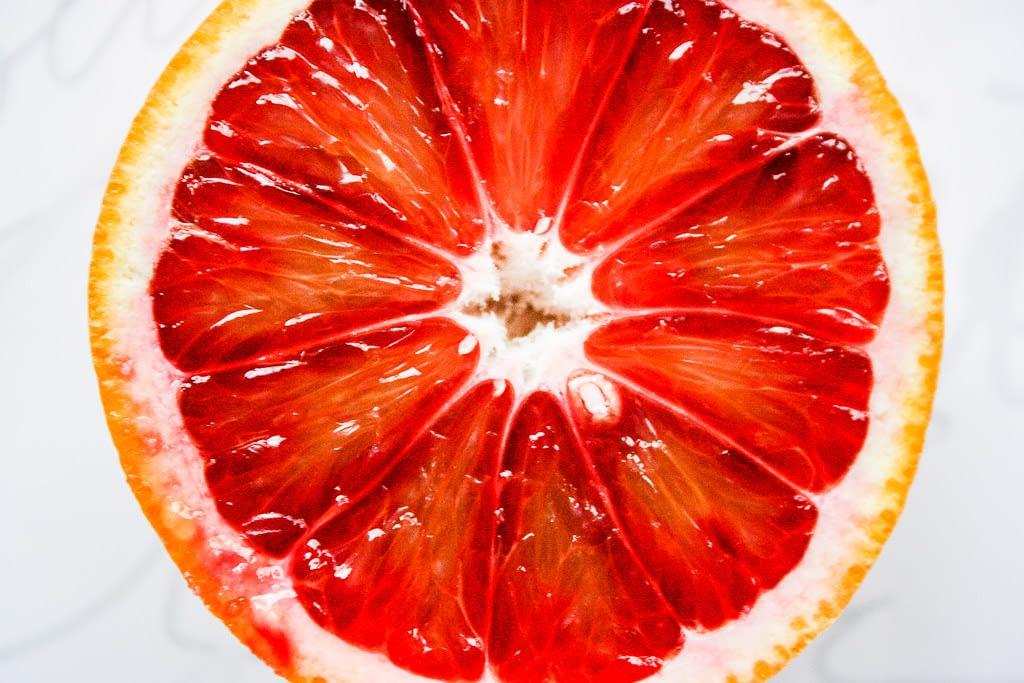 Orangen sind was wunderbares- -Aufgeschnittene Orange